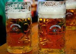 2 glasses of bear