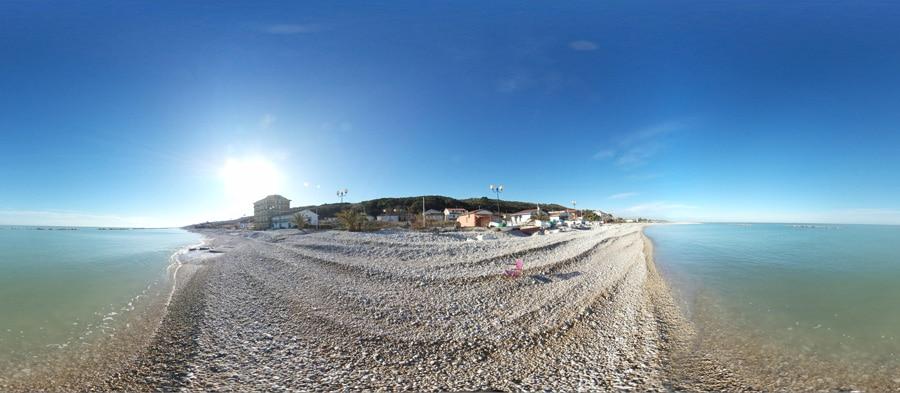 spiaggia della borgata marina