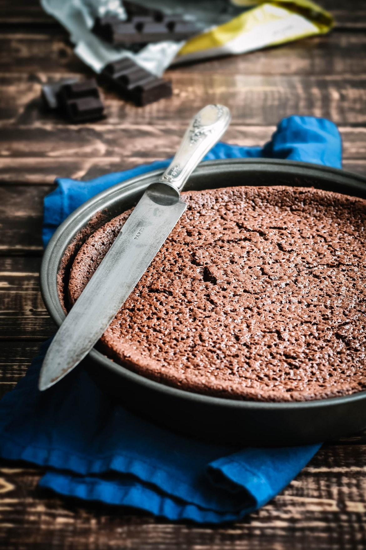 Buttermilk Chocolate Fondant Cake (5)