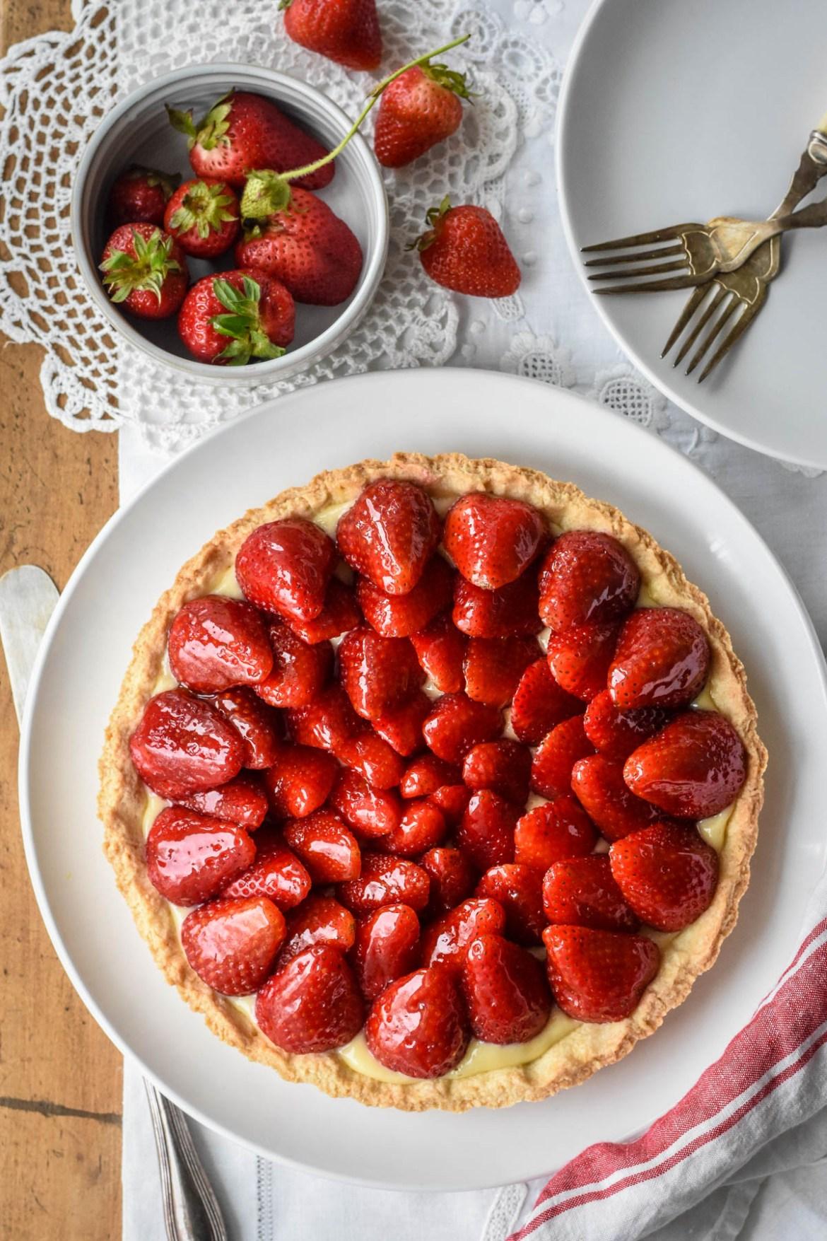 Classic French Strawberry Tart (Tarte aux Fraises)