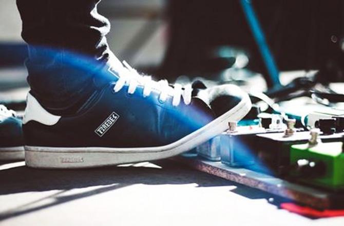 zapatillas Paredes fotografiadas por David SadnessJPG