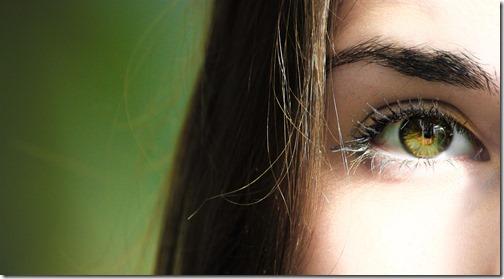 Commencez par le contact visuel