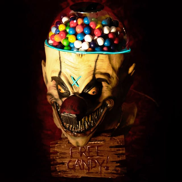 scary-clown-gumball-machine-1