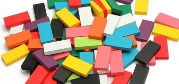 Dominos en bois sans marque