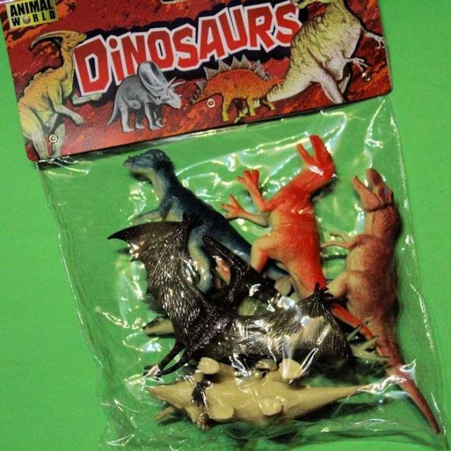 Dinosaures en plastique (gros)