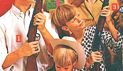1972 Christmas ad for Daisy rifles