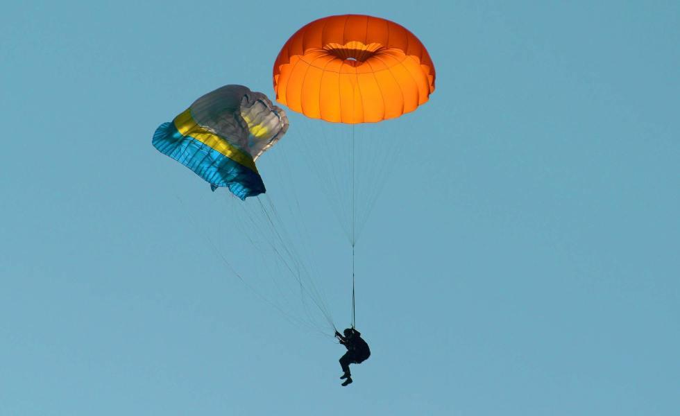 photo blog (parenthèseParapente) - parachute de secours