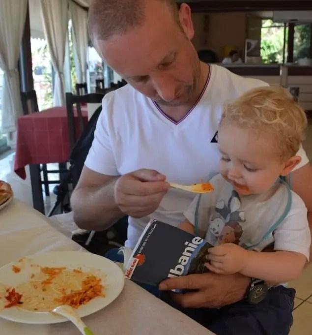 Voyage en Albanie avec bébé, prévoyez le bon équipement pour bébé !