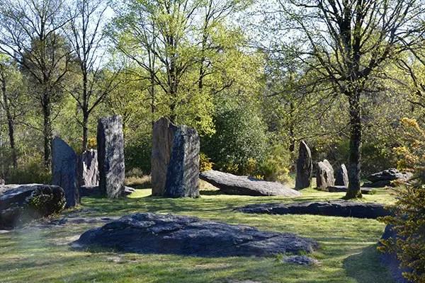 menhirs de monteneuf Brocéliande en famille