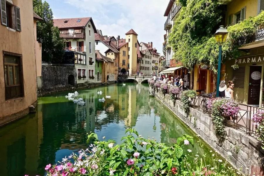 Quel hébergement choisir pour un séjour au Lac Annecy en famille ?hérbegement sur Annecy