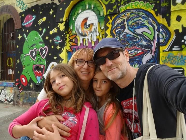 famille barcelone, voyager avec des jumelles