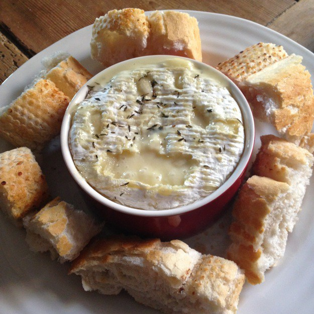 Baked-Camembert-Recipe-proven-to-cheer-you-up-and-perfect-for-easy-entertaining
