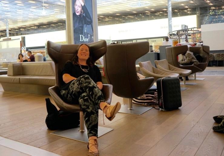 paris airport lounge