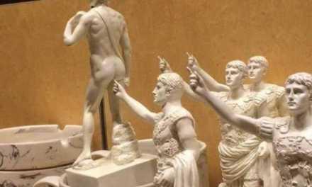 """Seppure allo stato primordiale, nell'antica Roma già era noto il gioco dello """"Schiaffo del Soldato"""""""