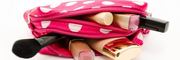 6 обов'язкових засобів, які повинні бути в косметичці