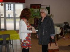 Mme Régine Poveda, Maire de Meilhan et Farida