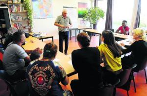 Des bénévoles organisent des cours de français pour les demandeurs d'asile - 17/09/2018 - ladepeche.fr