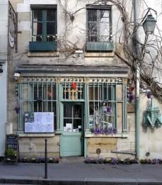 La rue Chanoinesse (ex rue des Marmousets) de nos jours.