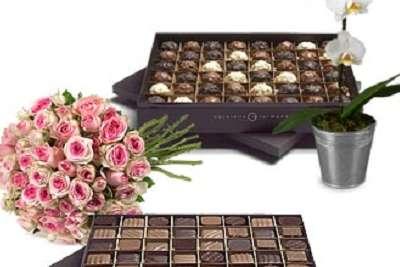 Insolite Bouquet De Roses Avec 1 Bote De 126 Chocolats Livrs Chez Vous