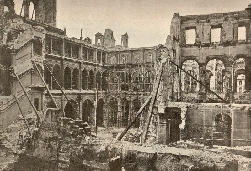 1871 Lincendie De LHtel De Ville Paris Unplugged