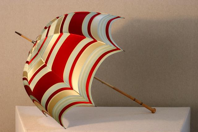 Red-stripe-silk-umbrella3