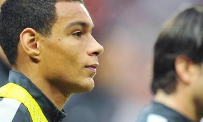 L'Inter sur Van der Wiel, info morte ou vivante ?