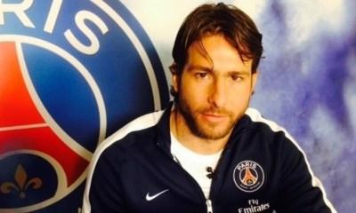 """Maxwell invite ses coéquipiers du PSG pour une """"petite fête"""""""