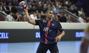 Handball - Paris s'incline lourdement à Vezprem