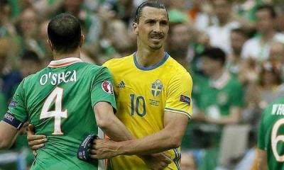 Zlatan et ses protège-tibias aux couleurs du PSG