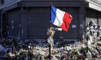 Les images partagées par les joueurs du PSG ce dimanche: Hommage aux victimes, on n'oublie pas.