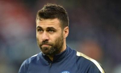 Salvatore Sirigu attendrait de signer au Torino car il espère avoir une place au PSG