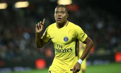 """Mbappé """"Proche du Ballon d'Or ? Non, c'est vraiment loin. Il faut faire des saisons pleines et gagner"""""""