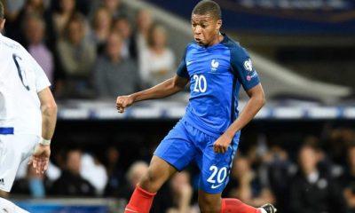 """Hugo Lloris """"Mbappé est mature...Il est un élément moteur de ses équipes"""""""