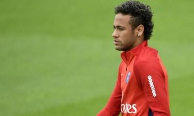 """L'agent de Neymar l'assure """"dans le contrat il n'y aucune clause libératoire"""""""