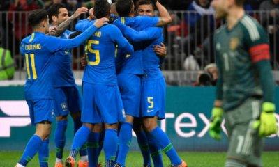 Thiago Silva et Dani Alves ont participé à la victoire 0-3 du Brésil contre la Russie