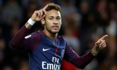 CaenPSG - Neymar célèbre la qualification des Parisiens