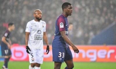 Mercato - L'OM a fait une offre au PSG pour Stanley Nsoki, annonce L'Equipe
