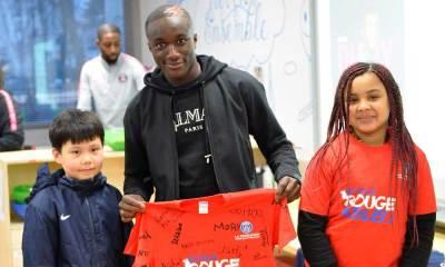 Moussa Diaby parrain école Rouge & Bleu