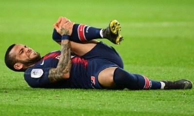 """Dani Alves souffre d'une """"lésion"""" et est remplacé en Seleçao pour la trêve de mars"""