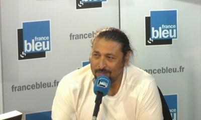 """La réponse cinglante d'Éric Rabesandratana à Michaël Youn """"Supporter c'est supporter tout !"""""""