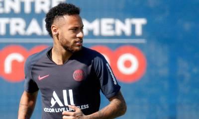 """Neymar """"le délai de retour à la compétition est évalué à 4 semaines"""", annonce le PSG"""