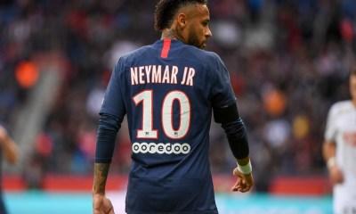 """Neymar """"n'écarte pas"""" une prolongation de contrat au PSG, selon L'Equipe"""