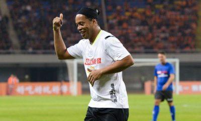 Anciens - Ronaldinho arrêté au Paraguay à cause de faux passeports