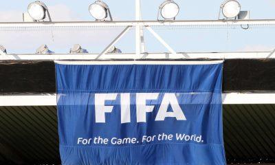 Le président du conseil médical de la FIFA doute encore de la reprise de la saison