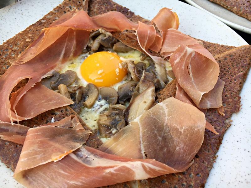 Breizh Cafe Paris crêpe