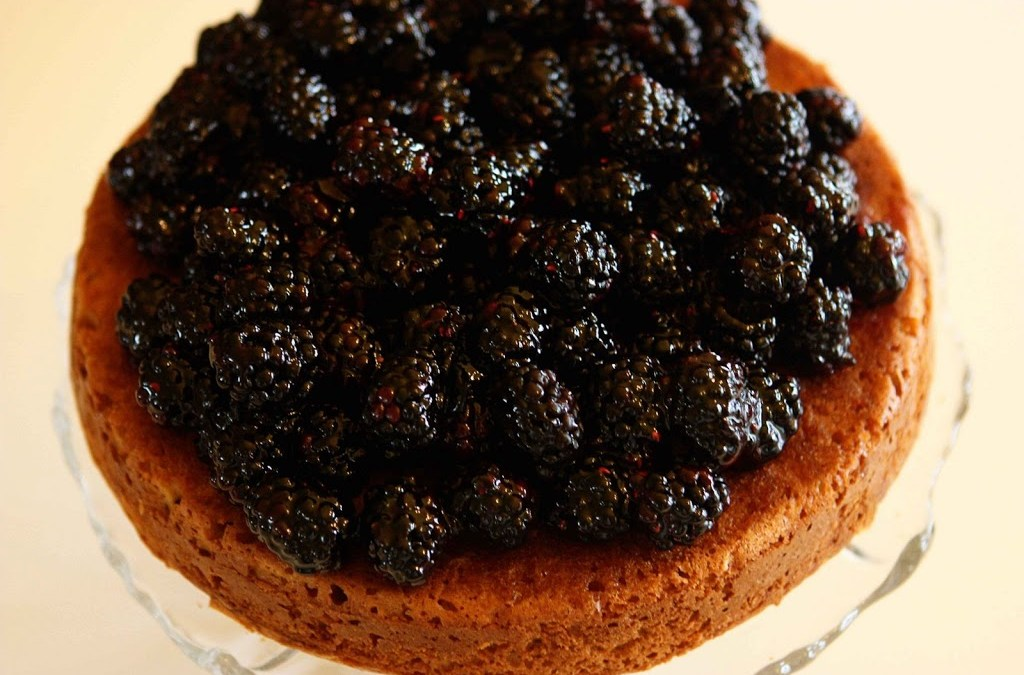 Today in the Kitchen – Blackberry Buttermilk Cake with Muscat