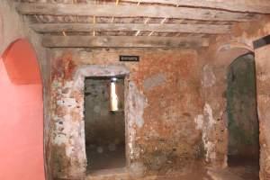 maison des esclaves interieur enfants-min