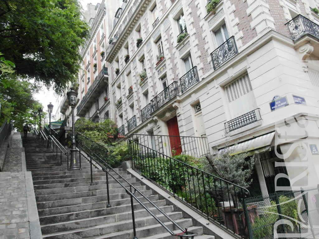 Apartments In Paris Montmartre 75018 Paris