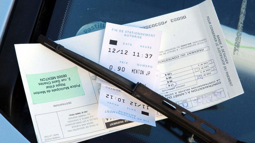 Des milliers de contrôles de stationnement fictifs, la mairie de Paris s'insurge