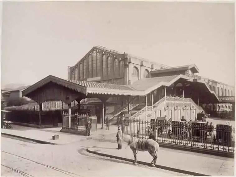 paris-avant-gare-saint-lazare-cour-rome-2-mars-1885